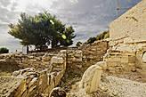 Любителям древности — раздолье! Туристов в разы меньше, чем в широко разрекламированной Долине Храмов (Агридженто), а культура и история буквально на каждом шагу.
