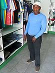 Продавец из модного бутика.