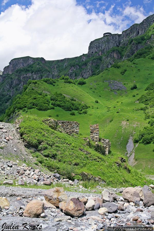 Наверху видна верхняя смотровая площадка