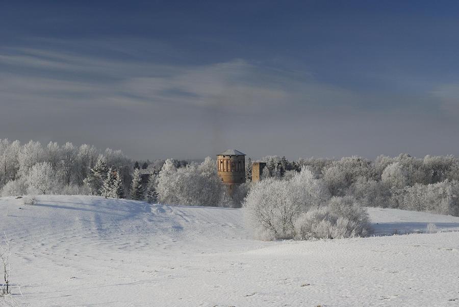Фото с официального сайта. Одна башня накрыта крышей