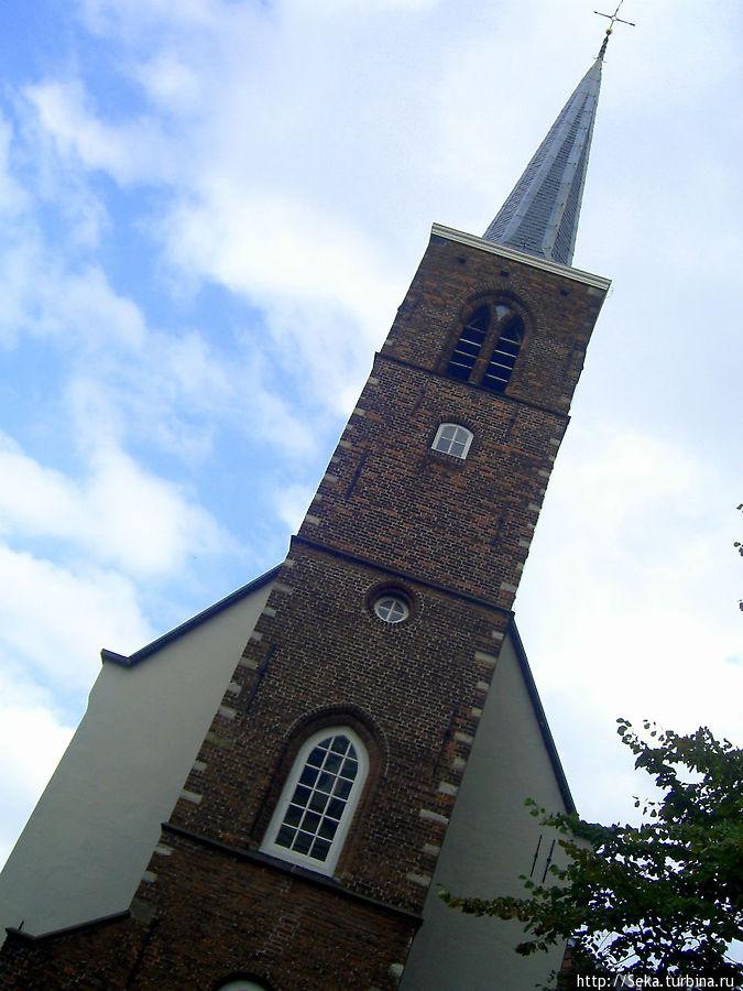 Башня Англиканской церкви