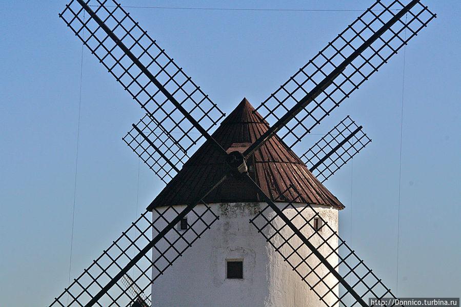 Еще остались мельницы в Испании Мота-дель-Куэрво, Испания