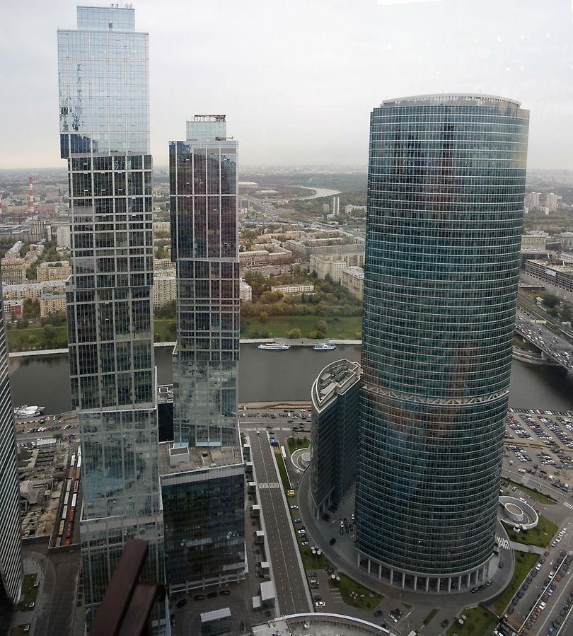 Соседние башни Сити, в сторону Кутузовской.