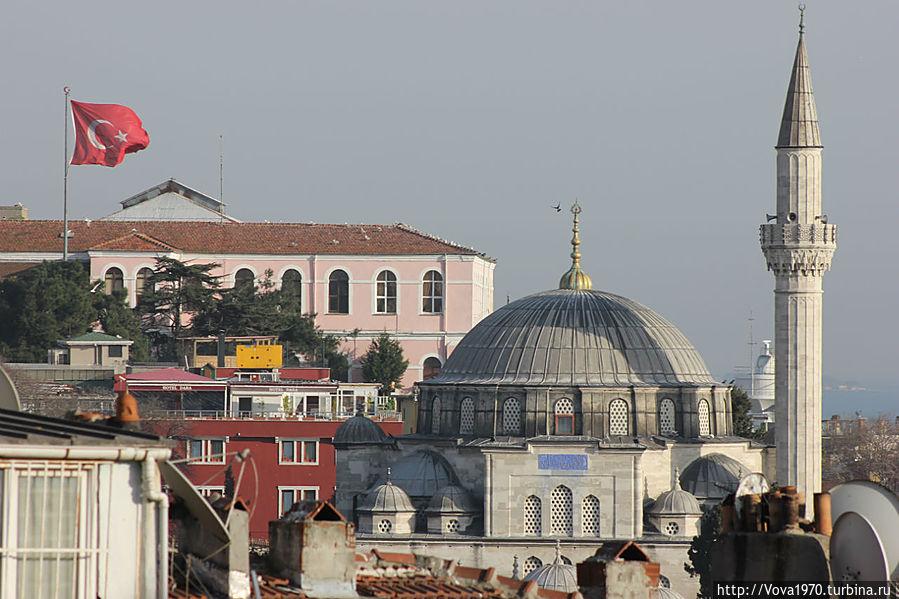 Мечеть Соколлу Мехмет Паша днём.