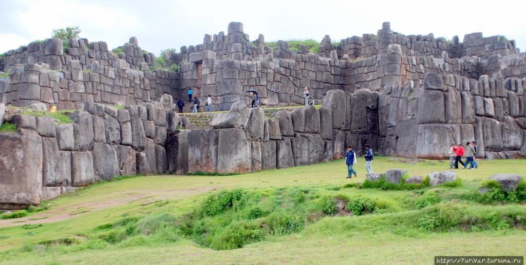 Остатки стен древнего Сак