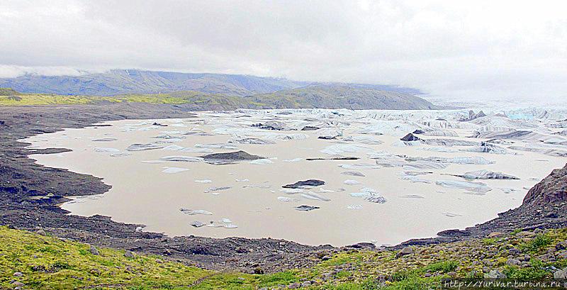 Здесь заканчивает свою долгую многовековую жизнь ледник Ватнайокюль Хёфн, Исландия