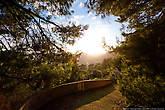 Майорка — компактный остров с живописными горными серпантинами, высокими обрывами и солнечными долинами.