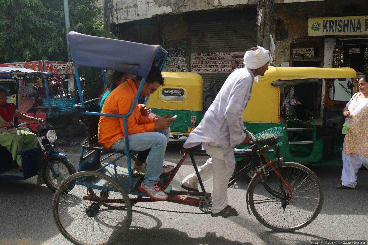 Велорикша. Манали, Индия