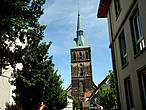 Церковь Св. Андрея (14в.) с башней 114 м — самая высокая в Нижней Саксонии