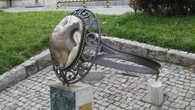 Гигантский перстень из местного полосатого кремня