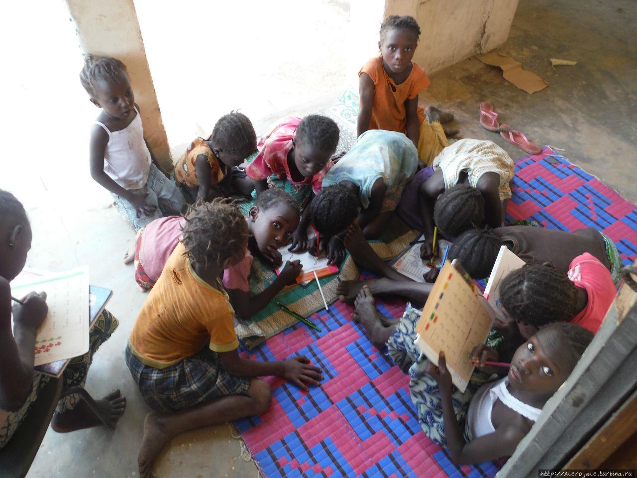 Нджоле Ndjole, Габон
