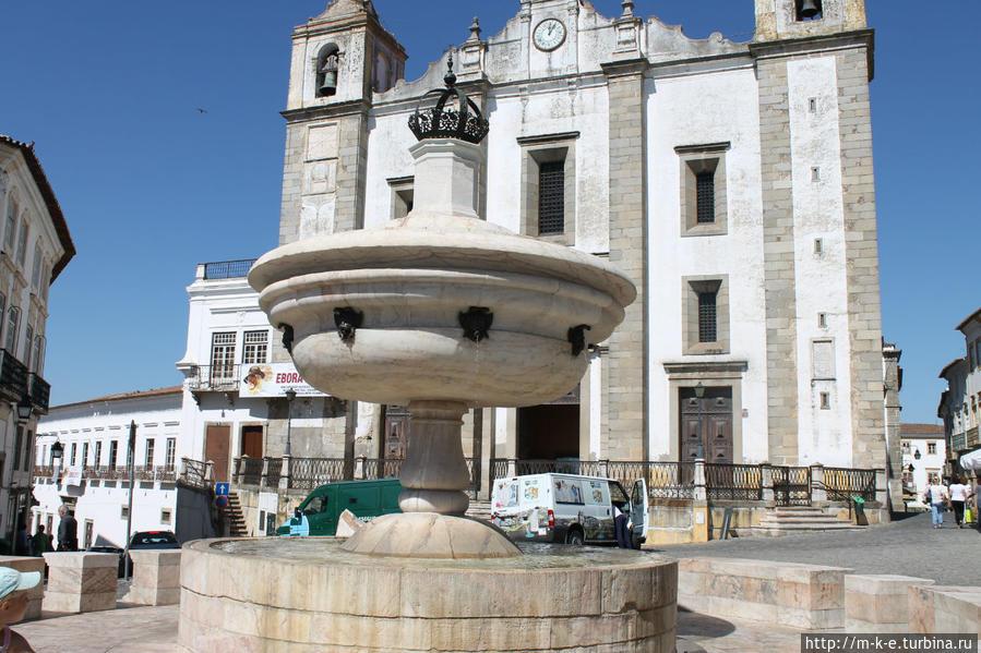 Полдня в Эворе. История, вино и хлебная похлебка Эвора, Португалия