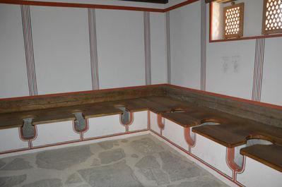 древнеримская туалетная комната (реконструкция)