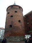 Пороховая башня — единственная из 28 крепостных башен уцелела до наших дней.