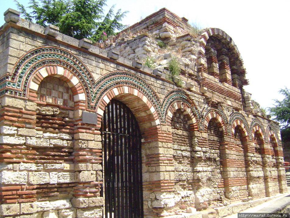 Церковь Св. архангелов Михаила и Гавриила, XIII век