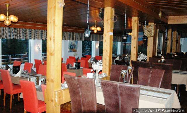 Ресторан, самый первый ресторан в Саарисельке.