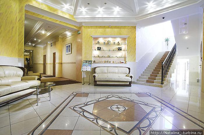 Морской — 4*, цена номера от 180 у.е./сутки, отель находится в развлекательно-клубной зоне побережья (р-н Аркадия), хороший отель для молодежи, не семейный. Всю инфо можно посмотреть на http://www.morskoy.com/