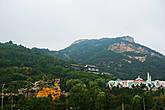 Священная гора Лаошань, превращённая в Диснейленд