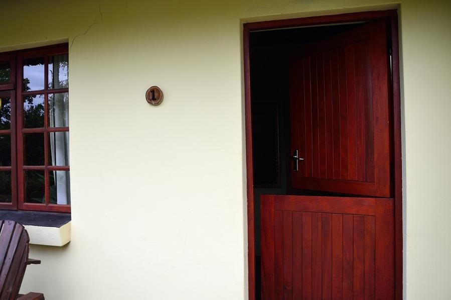 Дверь из двух половинок