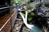 Маленьких  водопадов много. Все они разные  и  симпатичные.
