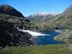Въезжаем в долину реки Klevagjelet. Как это произносится даже боюсь представить.