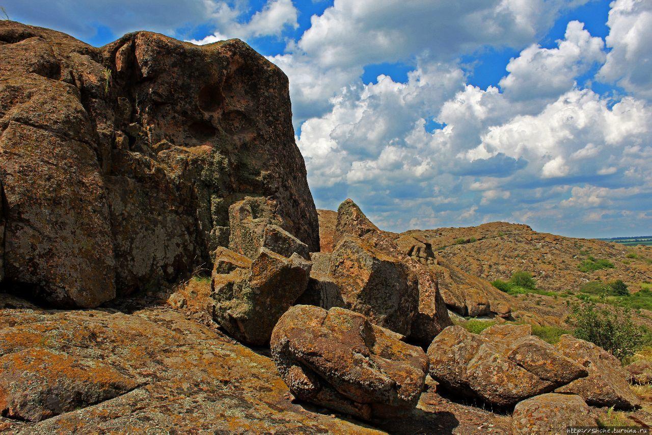Восточная гряда Каменные могилы заповедник, Украина
