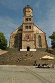 Сердцем Швебиш-Халля является Рыночная площадь с возвышающейся Михаэльскирхе. 57 ступеней церкви во время летнего театрального фестиваля превращаются в сцену. Мы как раз попали на репетицию какого-то мюзикла.