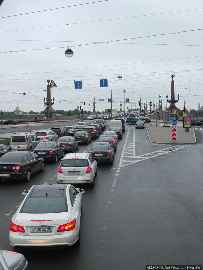 Через Троицкий мост на Петроградскую сторону