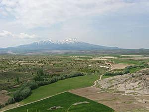 Вид с холма Аналипсис в сторону Ыхлары.