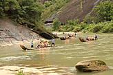 На плотах по реке Девяти Изгибов