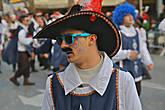 взрослые мушкетеры отличались большим разнообразием цвета губной помады