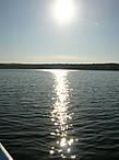 Солнечная дорожка к лодке