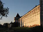 Все строения в монастыре были деревянными. Таковым он просуществовал 159 лет. Борисоглебский монастырь был любим московскими князьями и первыми русскими царями, считавшими его своим