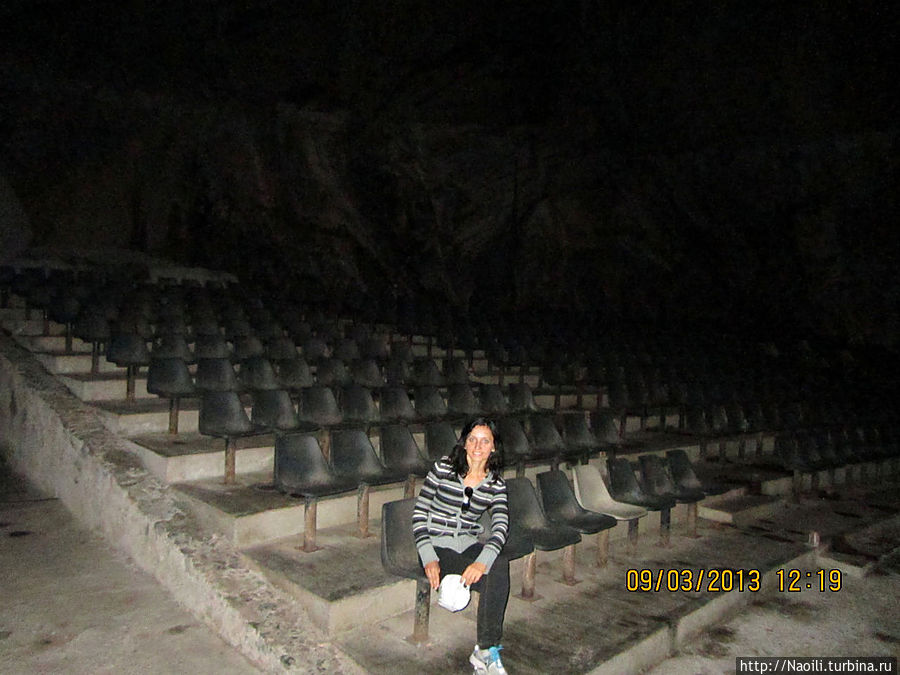 А этот зал иногда используется для концертов.