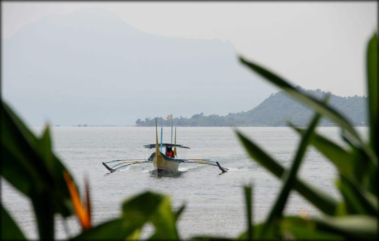 Озеро-матрёшка или самый маленький вулкан в мире Тагайтай, Филиппины