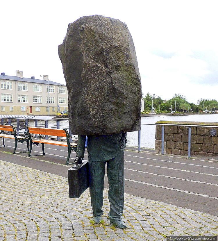 Памятник Неизвестному Бюр