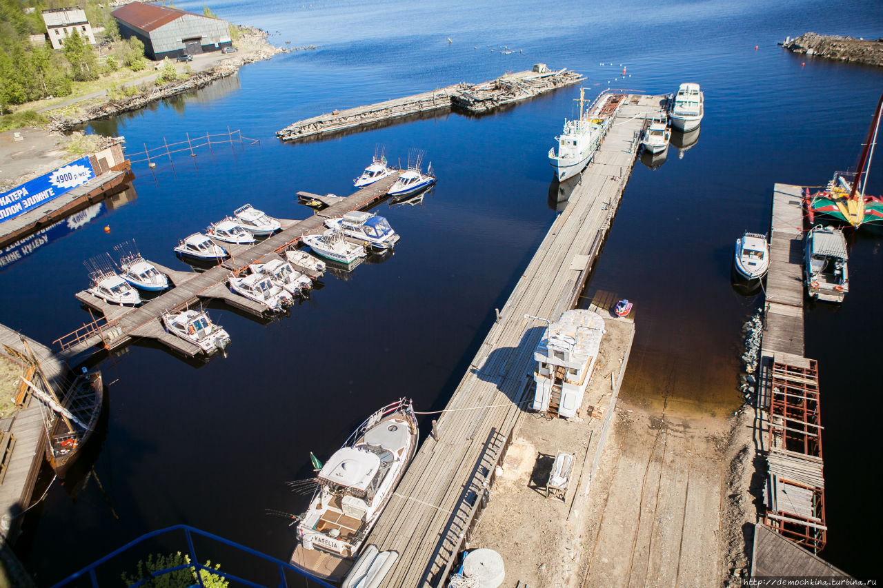 Вид на яхт-клуб с портово
