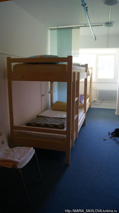 Это комната на четверых