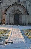 Дорога к храму. Северный портал