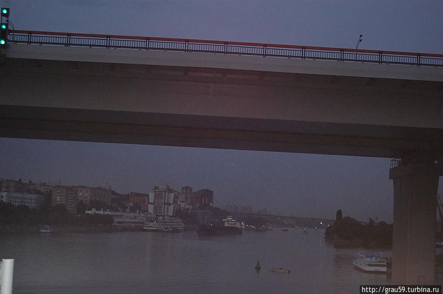 На железнодорожном мосту. Видны река Дон и Темерницкий мост