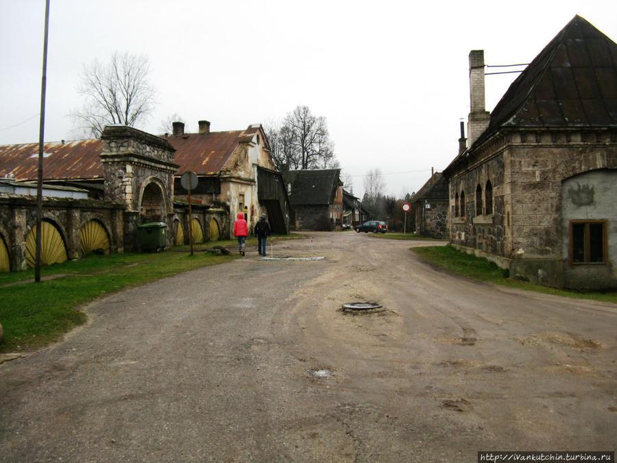 По маленьким дорожкам Сигулды Сигулда, Латвия