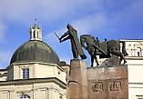 Памятник Гедиминасу