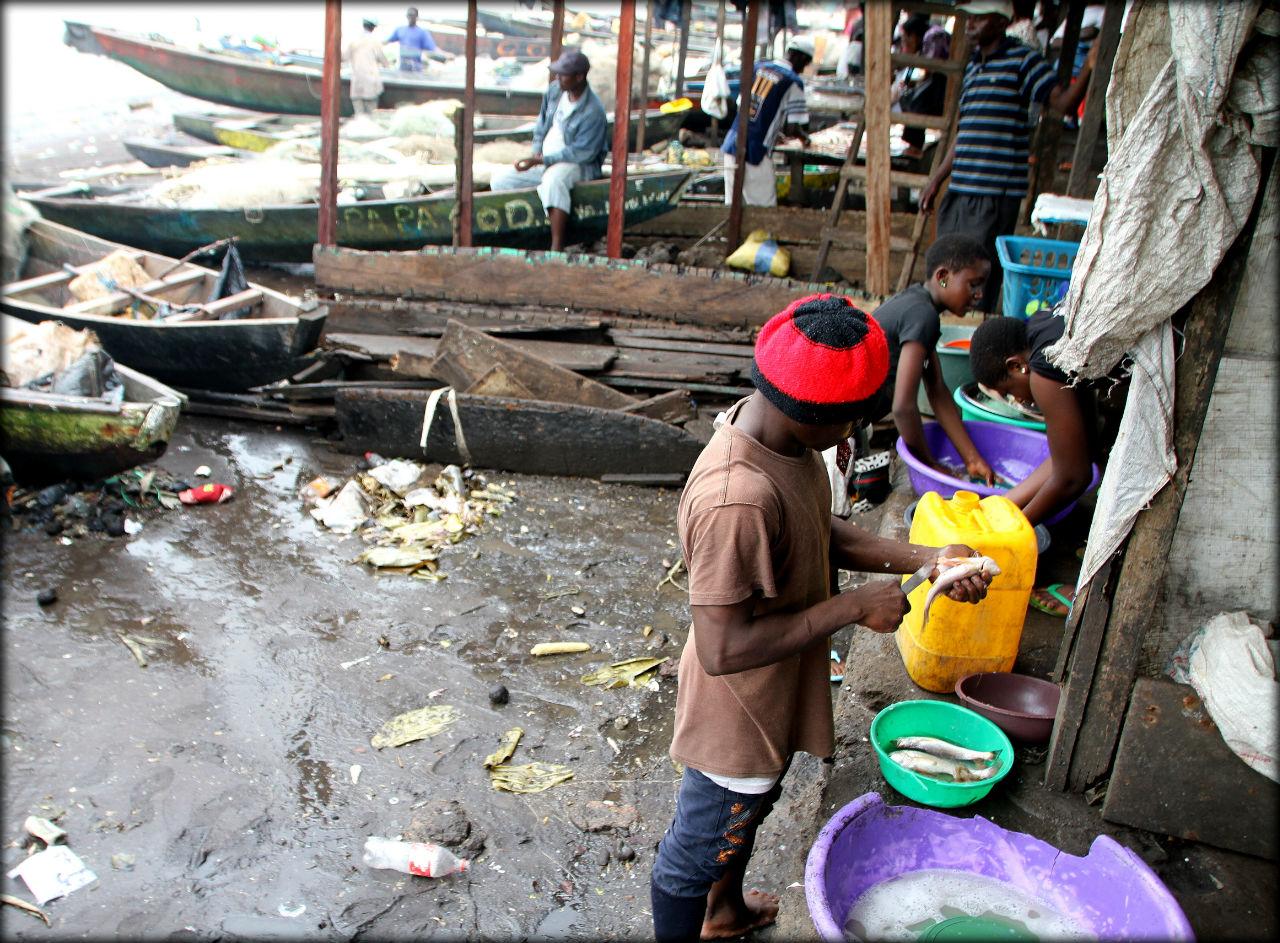 Лимбе — рыбацкий город на берегу океана Лимбе, Камерун