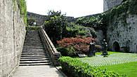 Лестница на стену из дворика