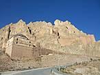 Вид на легендарную крепость Баязет, состоящей  из двух частей — Верхней и Нижней крепостей. Да , это та самая знаменитая крепость , про которую написал роман В. Пикуль и был поставлен  12 -и серийный телефильм под названием