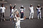 «Один народ, одно сердце, одна Земля....Pacha mama...Gaya» – взывал шаман у соседней пирамиды Луны.
