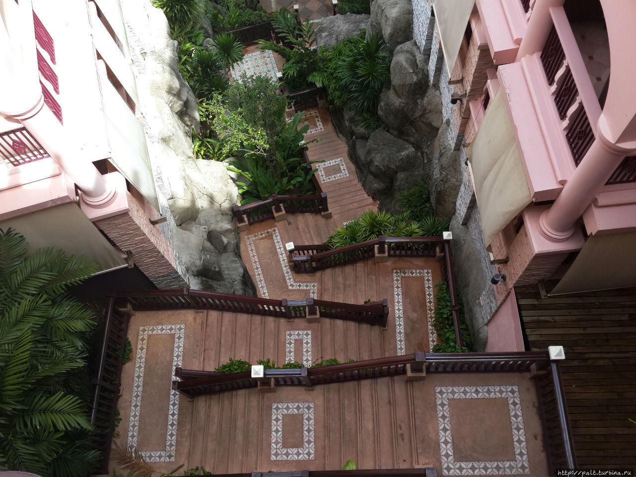 Лестница между корпусами 2 и 3