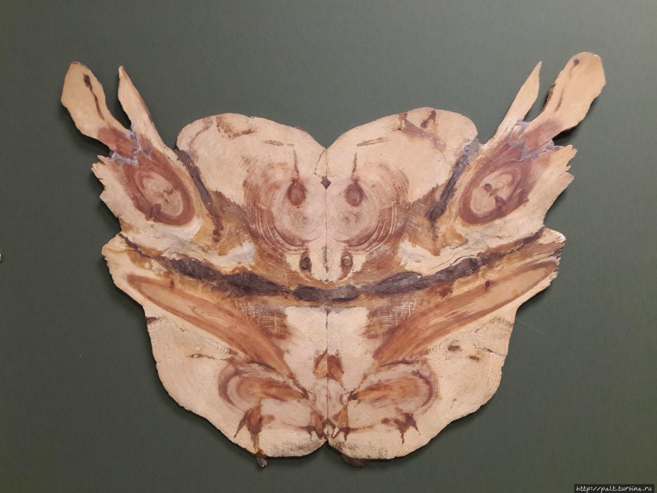 Красивая деревянная абстракция