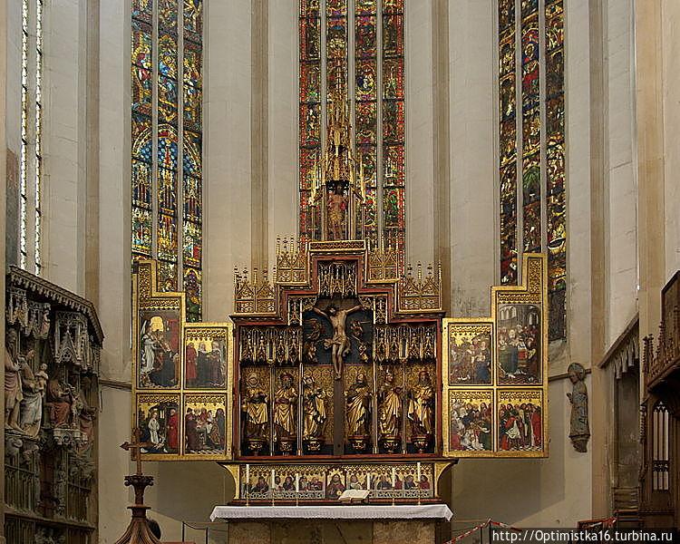 Главный алтарь с картинами Фридриха Герлина (1466 г.)