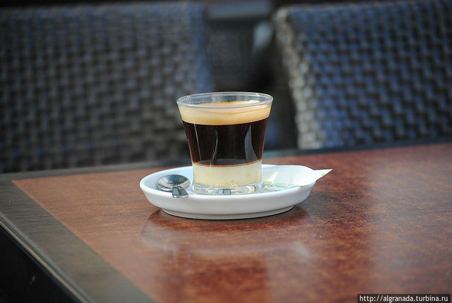Бонбон — кофе со сгущенным молоком